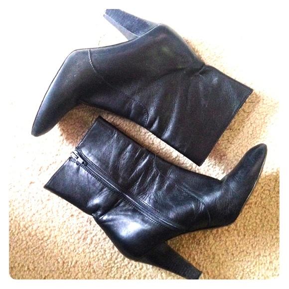 bf3f36ea45516 Vintage Coach Melinda Black Leather Booties